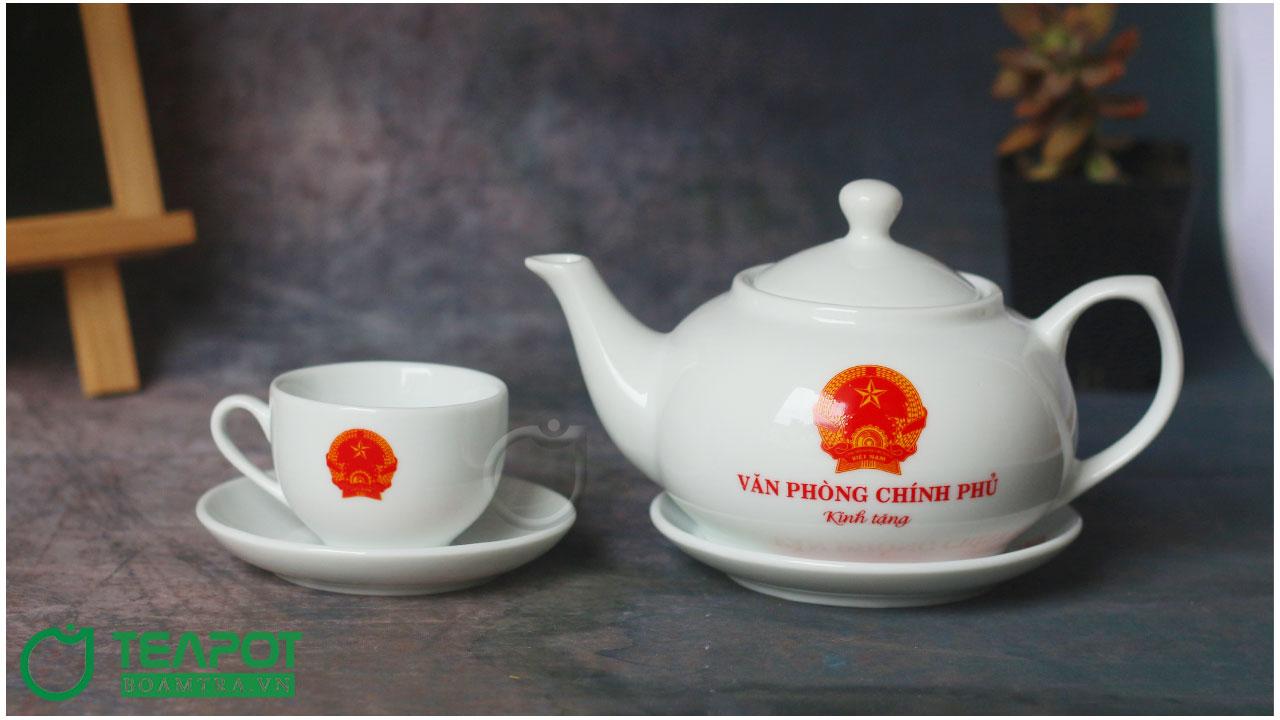 Ấm trà in logo văn phòng chính phủ