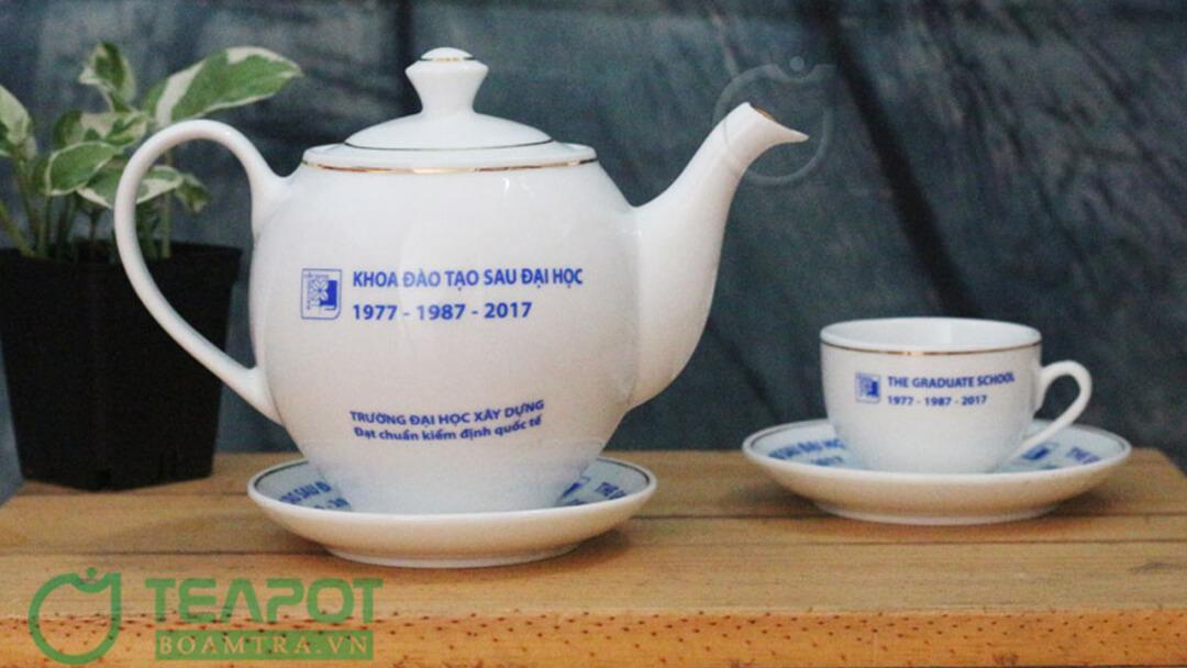 Bộ ấm trà in logo Đại học Xây dựng