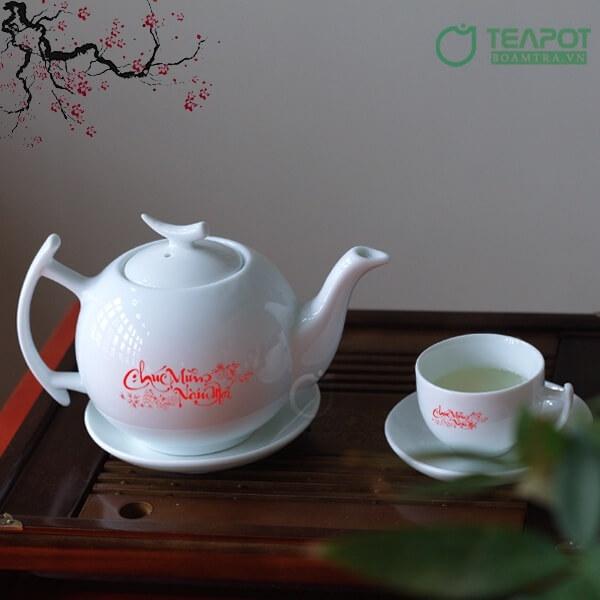 Bộ ấm trà là món quà tặng Tết được ưa thích
