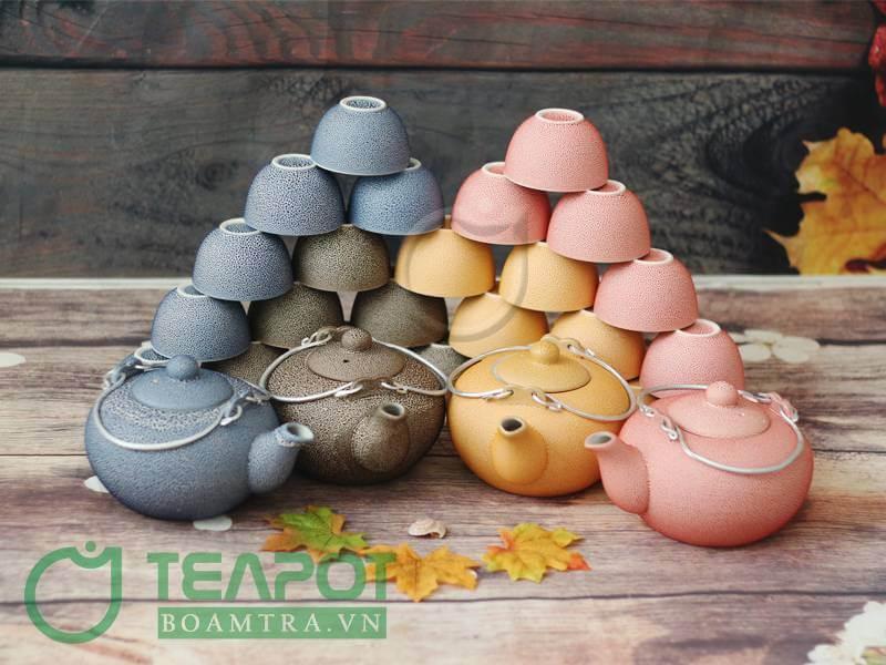Thiết kế chuẩn xác và tinh tế của bộ ấm trà Vinaly men co