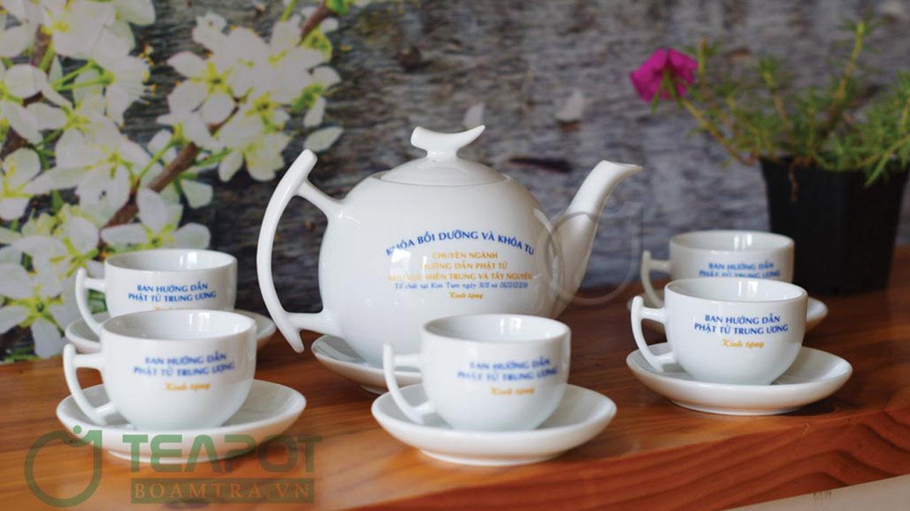 Bộ ấm trà quà tặng sự kiện chùa Huệ Chiếu