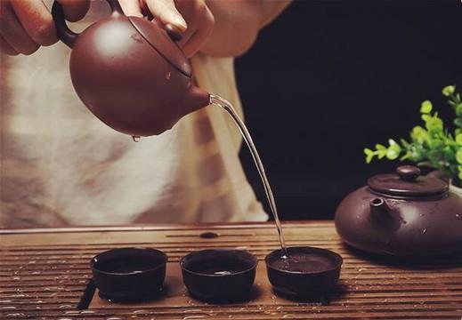 bộ ấm trà bát tràng Vinaly